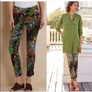 SOFT SURROUNDINGS In Bloom Floral Print Ankle Pant